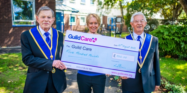 Worthing Temple Lodge donates £500 to Guild Care